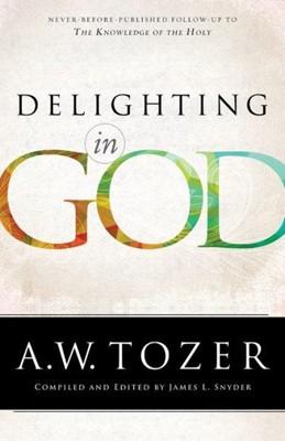 Delighting in God (Paperback)